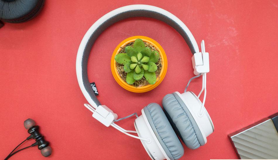 NIA-Headphone